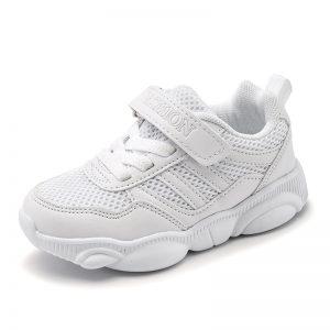 giày trắng trẻ em
