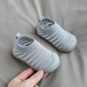 giày bé sơ sinh