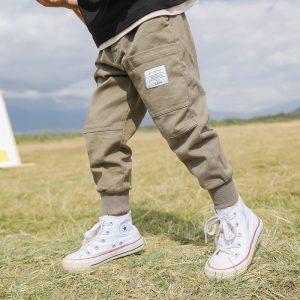 quần jean em bé